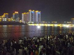 プルハトン河の夜景(3日 花火の夜)