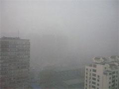 大気汚染で真っ白な様子(1月12日 撮影)