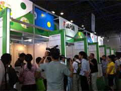 日本からの出展企業に対する取材